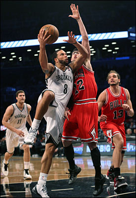 Kirk Hinrich defends Deron Williams