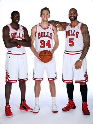 Deng, Dunleavy and Boozer pose on Media Day