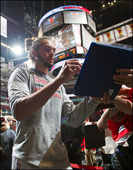 Last season, Noah appeared in 66 games, averaging 11.9 ppg, a team-high 11.1 rpg, 4.0 apg, 2.14 bpg, 1.18 spg and 36.8 mpg.