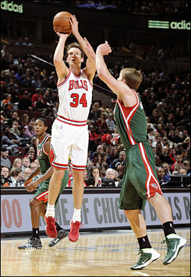 Mike Dunleavy was the offensive hope for the Bulls with a season-high 24 points, 18 in the second quarter.