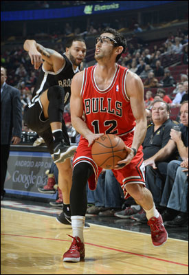 Hinrich recorded seven assists as the Bulls had 26 on 35 baskets. That's compared to the isolation oriented Nets with just 12 assists.