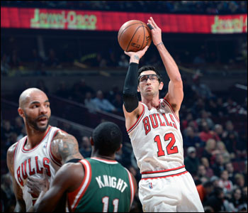 """I'm trying to be aggressive,"" says Hinrich, 33, who will be a free agent after this season. ""We have to put guys in position to make plays. For me, it's coming off screens and looking at the rim to open things up and loosen things up. I feel like I've been in a good rhythm."""