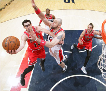 """It's kind of been the theme of the series,"" Hinrich said about the halting starts. ""We've struggled to get off to good starts. We're conscious of it. We just weren't able to do it again."""