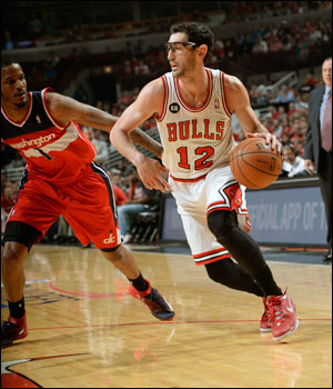 Hinrich and the Bulls will host Game 2 at 8:30 p.m. CT at the United Center.